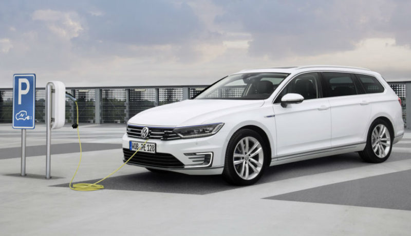 Volkswagen-Passat-Variant-GTE